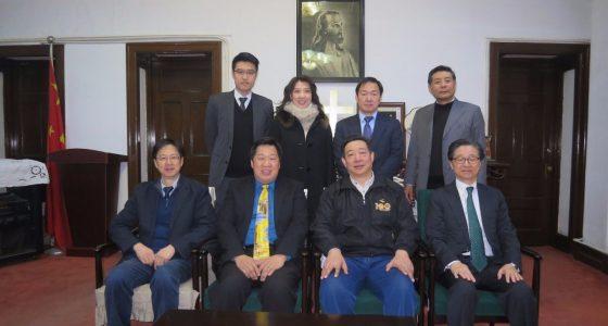 訪問北京巿基督教兩會,由蔡葵主席(右二坐)接待