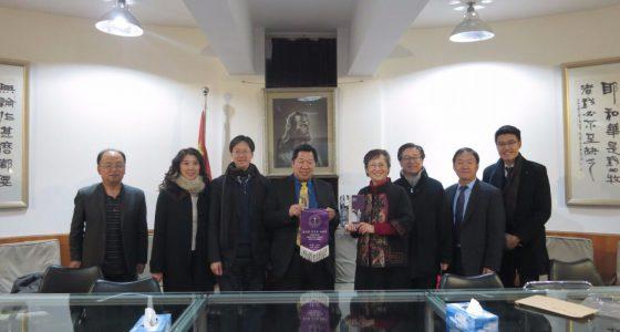 訪問燕京神學院,由高英院長(右四)接待,分享院方的發展和教育的理念