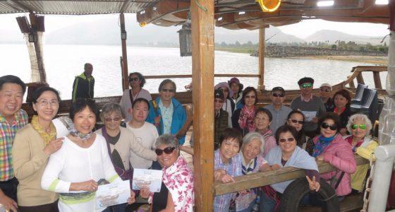 坐船遊加利利湖